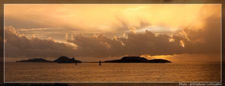 Panoramique_couche_de_soleil_sur_le_Frioul